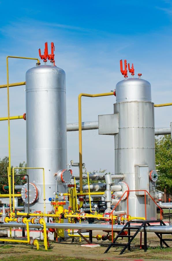 Download Нефтяная промышленность нефти и газ Стоковое Изображение - изображение насчитывающей энергия, сила: 37927799