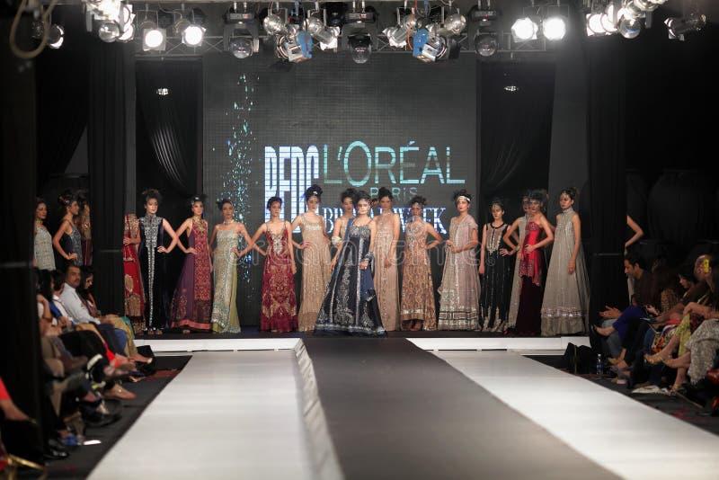 Неделя 2012 моды падения совету дизайна моды Пакистана (PFDC) стоковое фото rf