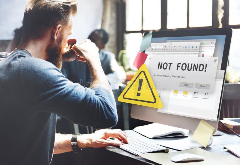 Не нашл концепция проблемы отказа 404 ошибок предупреждающая стоковая фотография