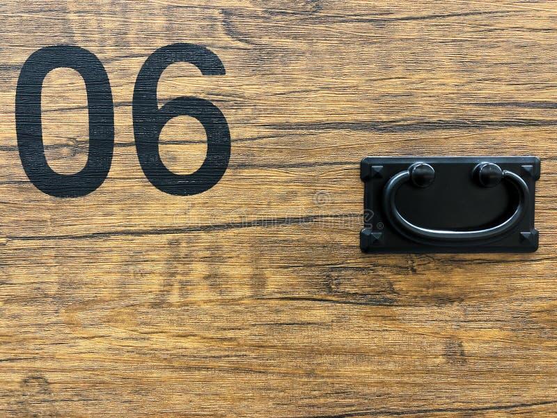 Не почерните никакое краска 06 на деревянной черной земле сбор винограда типа лилии иллюстрации красный стоковое изображение rf