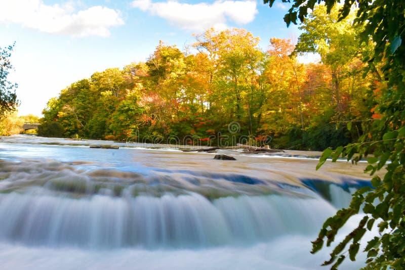 Ниагарский Водопад на сезоне осени стоковое фото rf