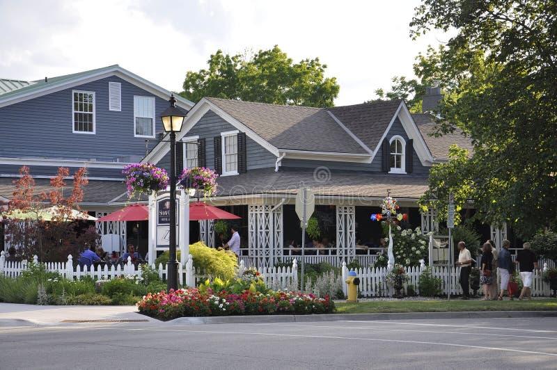 Ниагар-на--озеро, 25-ое июня: Городские исторические дома от Ниагар-на--озера в провинции Онтарио стоковое изображение