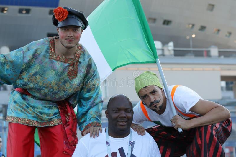 Нигерийские футбольные болельщики в Санкт-Петербурге, России во время кубка мира 2018 ФИФА стоковые изображения rf