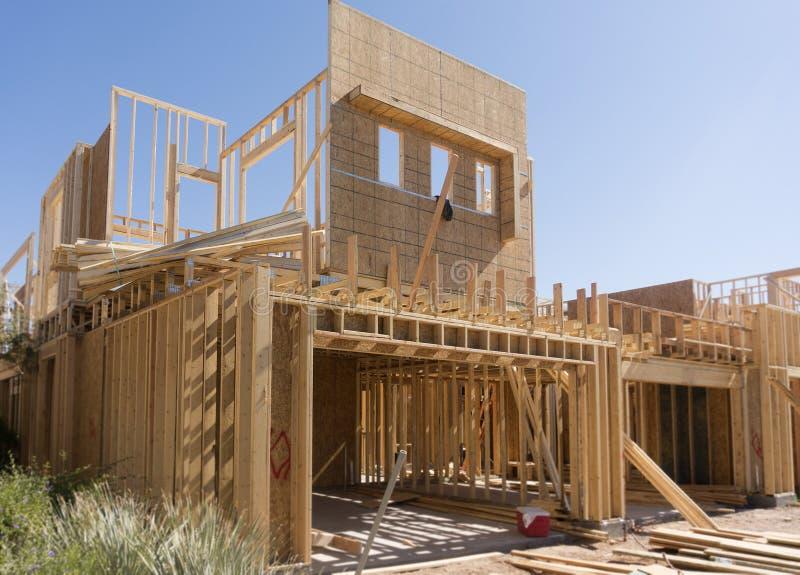 нижняя конструкции домашняя новая стоковые изображения rf