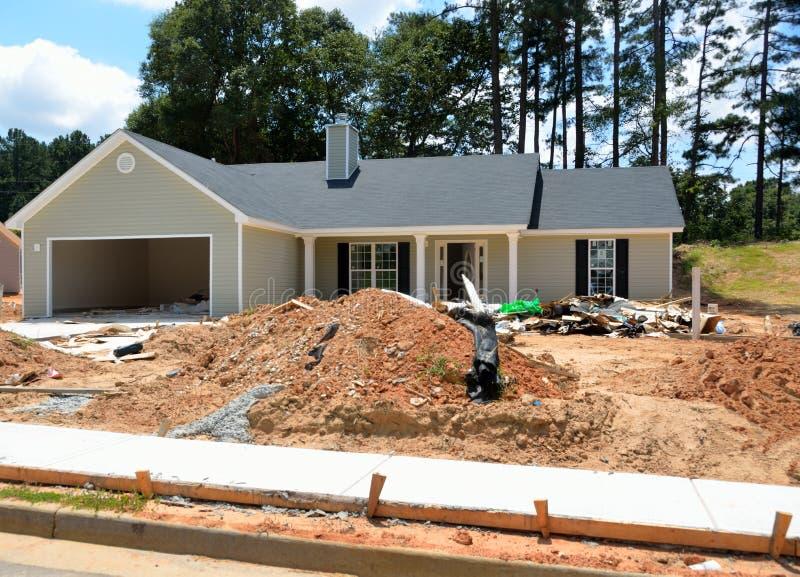 нижняя дома конструкции новая стоковая фотография rf