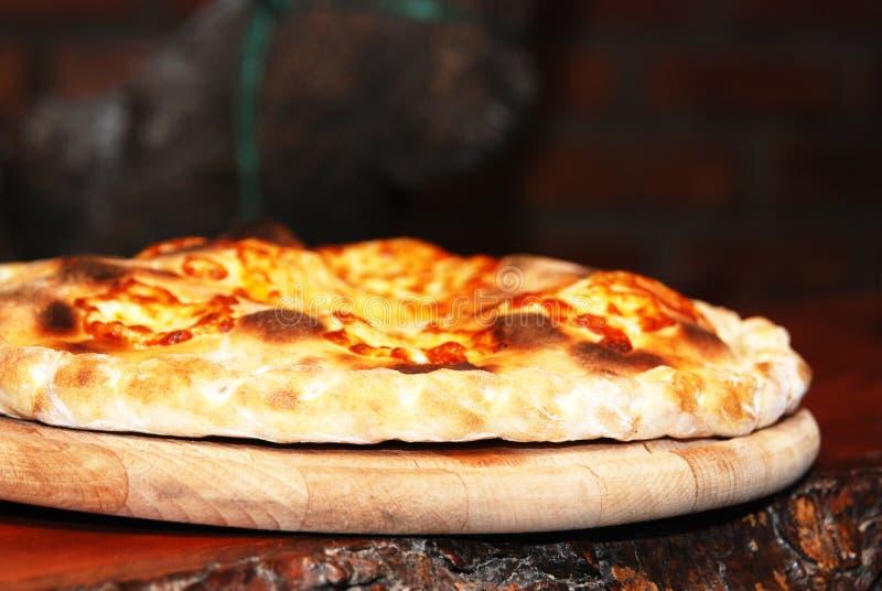 низкопробная пицца печи стоковые фотографии rf