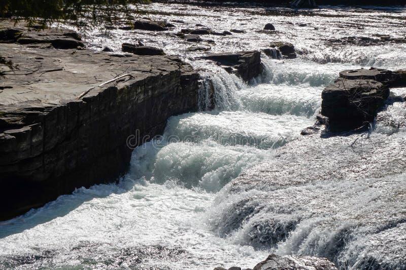 Нимфа падает природный парк, Puntledge | Comox-Strathcona, остров ванкувер, ДО РОЖДЕСТВА ХРИСТОВА, Канада стоковая фотография