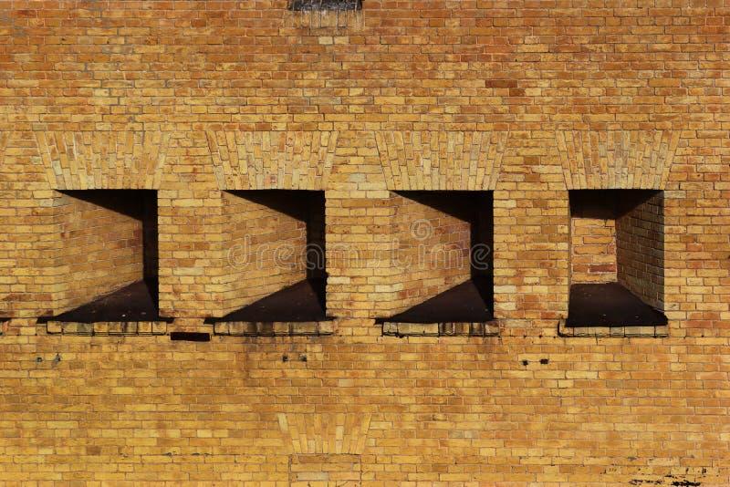 Ниши в толстой стене замка стоковая фотография