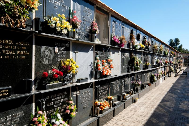 Ниши кладбища в городе Torrevieja стоковые фотографии rf