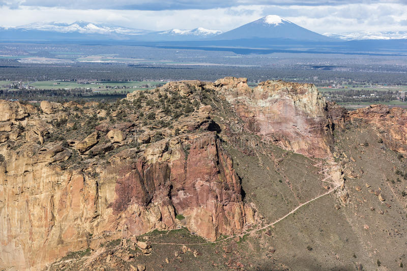 Нищета Ридж - парк штата утеса Смита - Terrebonne, Орегон стоковое фото rf