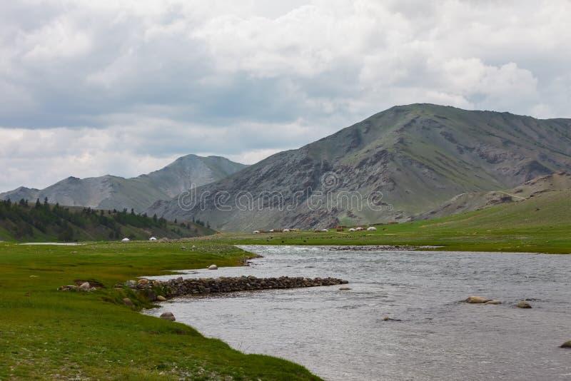дни altai продолжают лето гор Красивейший ландшафт гористой местности Монголия стоковая фотография rf