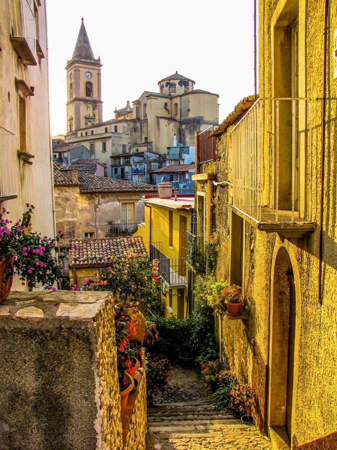 Новара-ди-Сицилия, Сицилия, Италия стоковые изображения