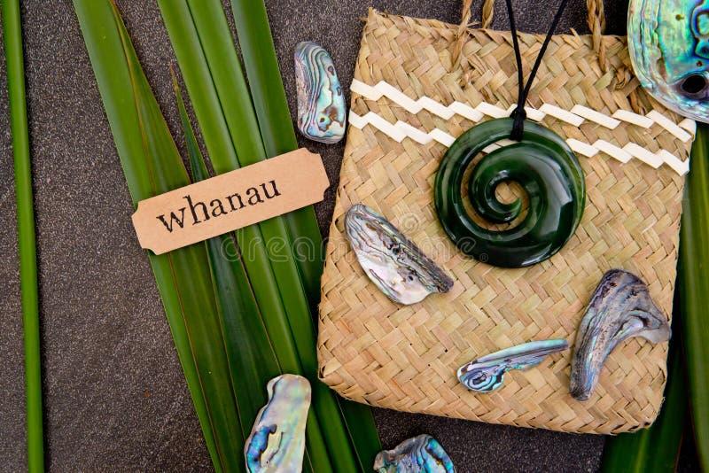 Новая Зеландия - маорийские тематические объекты - шкентель нефрита greenstone дальше стоковое изображение