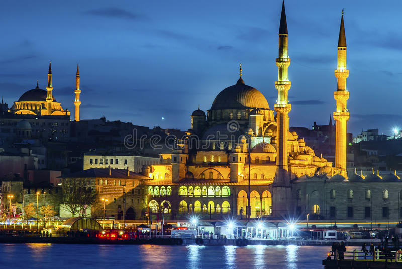 Новая мечеть & x28; Istanbul& x29; стоковые изображения