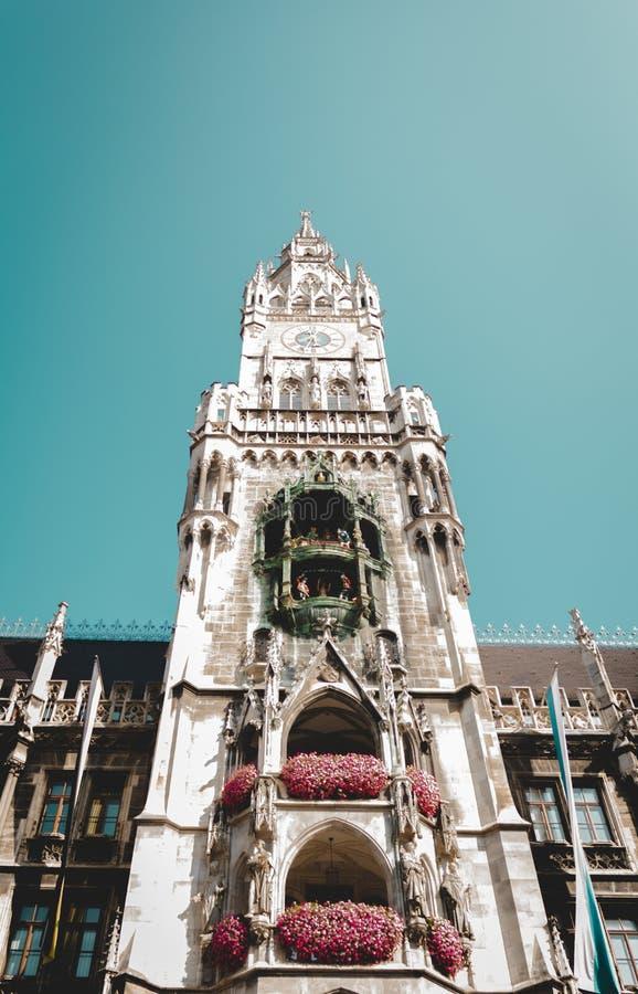 Новая ратуша немецкая: Neues Rathaus; Центральный баварец: Neis Rathaus стоковое изображение rf