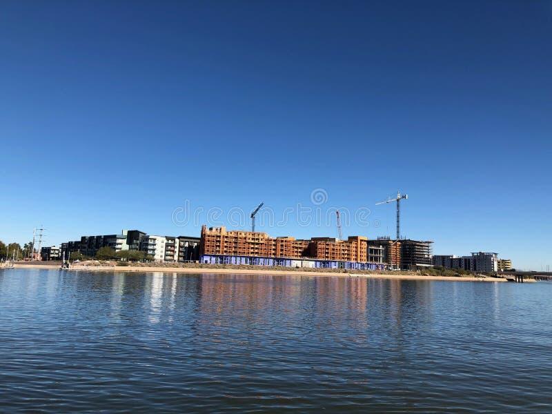 Новая строительная площадка квартир будучи построенным в Аризоне стоковые изображения rf