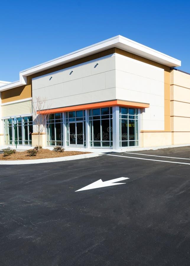 Новое коммерчески здание стоковая фотография rf