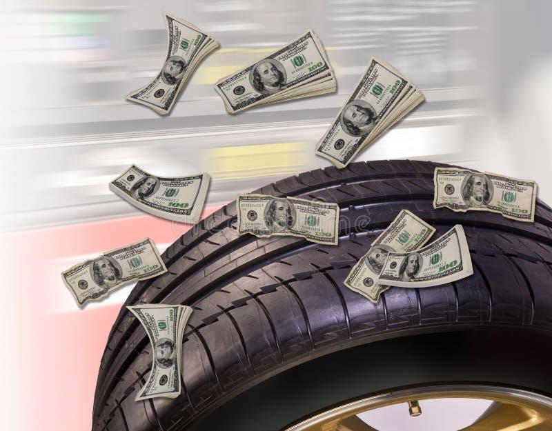 Новые автошины сохраняют деньги стоковые изображения rf