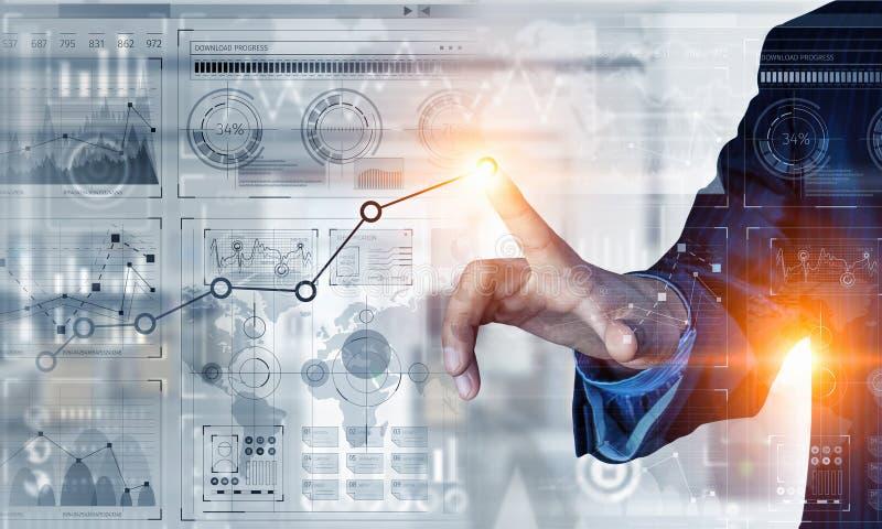 Download новые виды технологии дела Мультимедиа Стоковое Изображение - изображение насчитывающей финансовохозяйственно, увеличение: 81808897