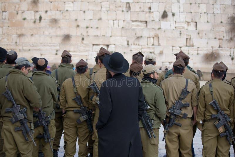 новые воины pr защищая стоковая фотография rf
