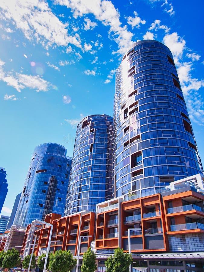 Новые жилые башни квартиры, Перт, западная Австралия стоковое изображение rf