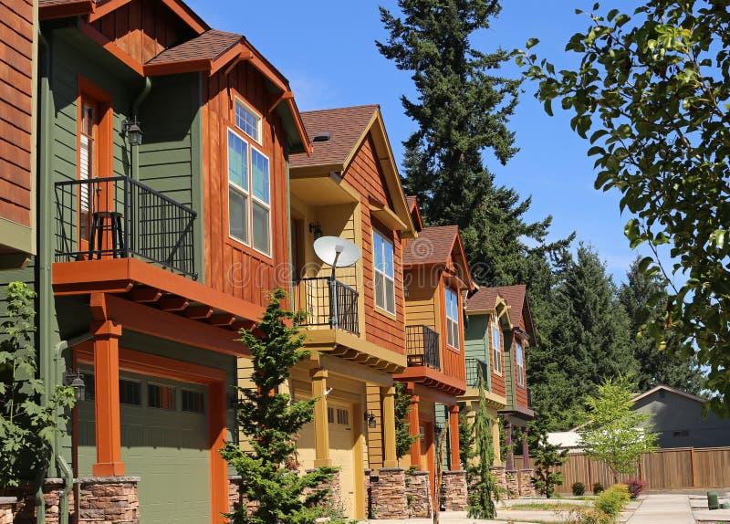 Новые квартиры кондоминиума стоковое изображение