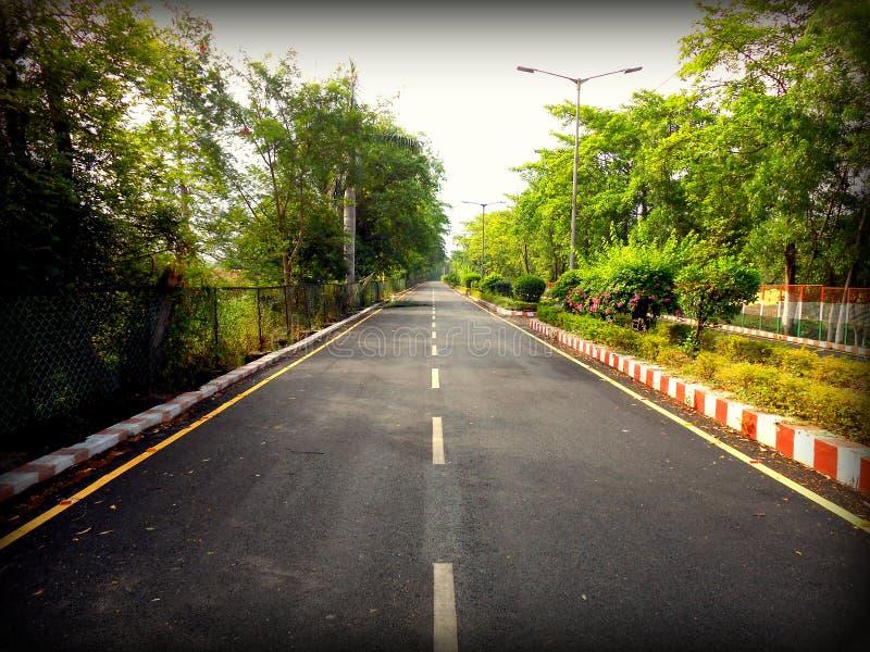 Новые дороги; Новые колейности стоковые фото