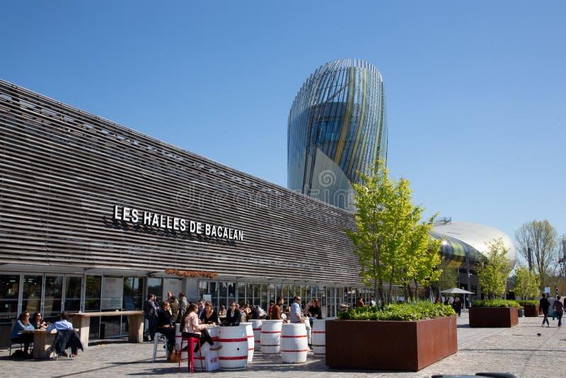 Новый Аквитания/Франция Бордо - 03 28 2019: зала центрального рынка de Bacalan halles в Бордо стоковое фото