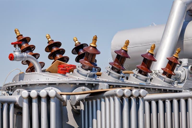 Новый высоковольтный трансформатор стоковая фотография rf
