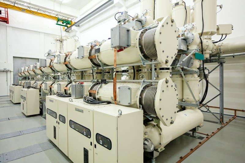 Новый высоковольтный трансформатор стоковое изображение