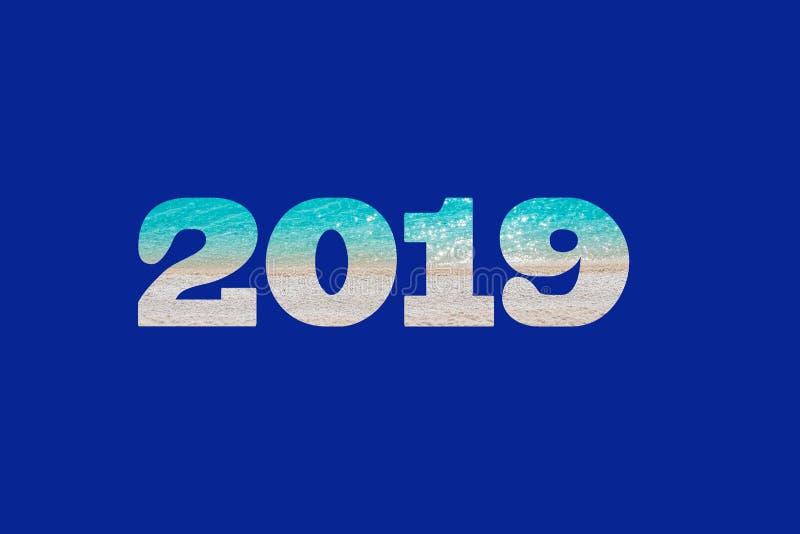 Новый Год 2019 на голубой предпосылке написанной в картине песчаного пляжа с водами бирюзы иллюстрация вектора
