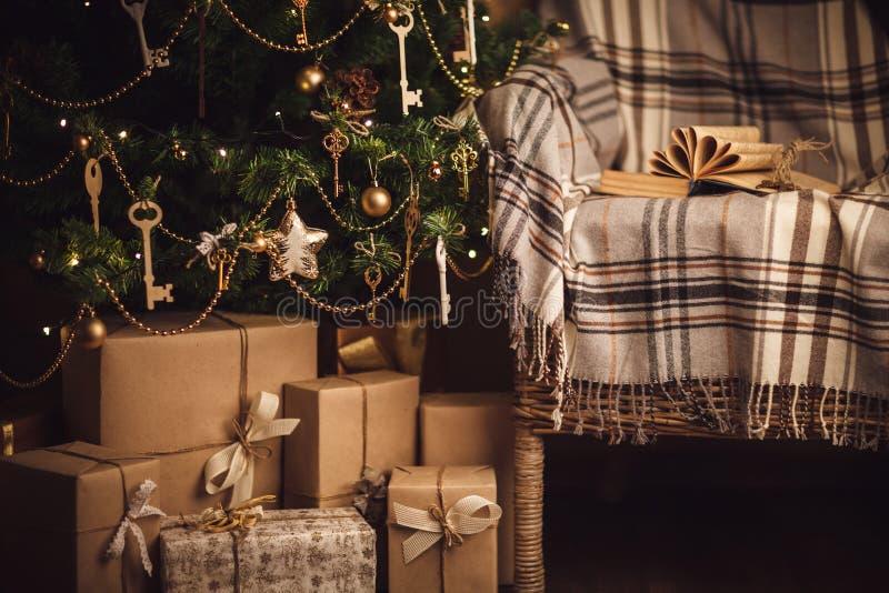 Новый Год украшения рождества коробки присутствующие стоковая фотография rf