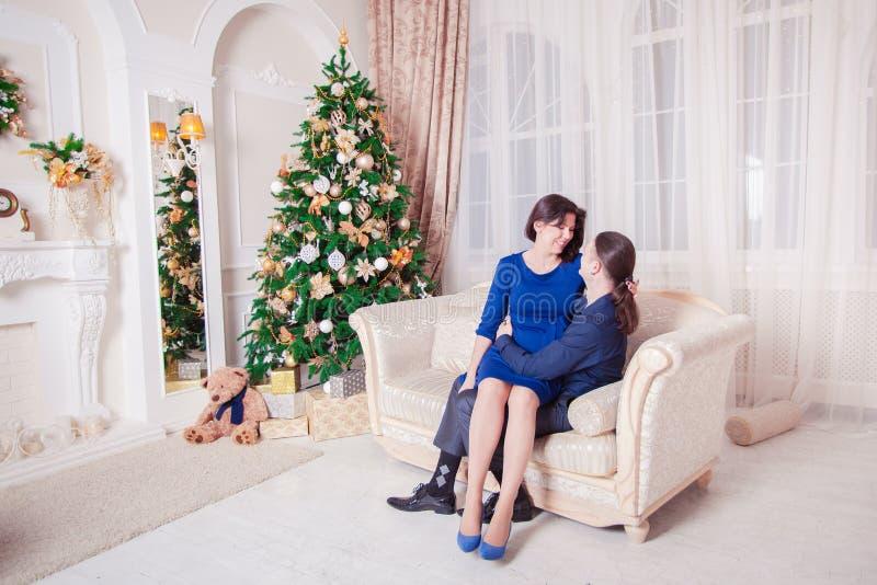 Новый Год человека и женщины стоковая фотография rf