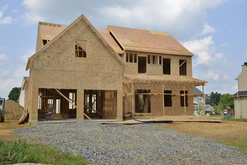 Новый дом под конструкцией стоковые изображения