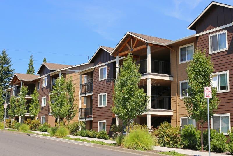 Новый комплекс апартаментов стоковая фотография rf