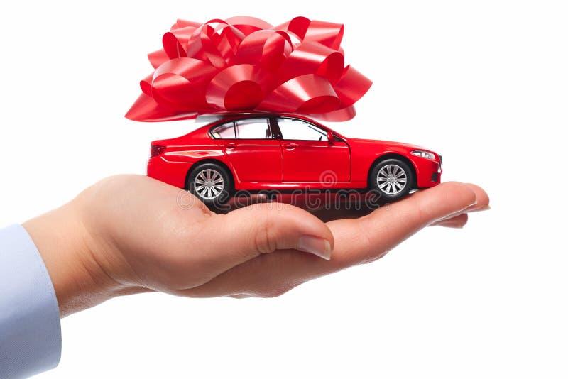 Новый подарок автомобиля. стоковые изображения rf
