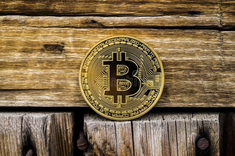 Новый секретный гонорар валюты, bitcoin и компьютера финансирует карту стоковая фотография