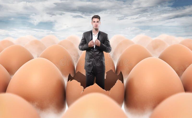 Новый человек принесенный от раковины яичка стоковое изображение rf