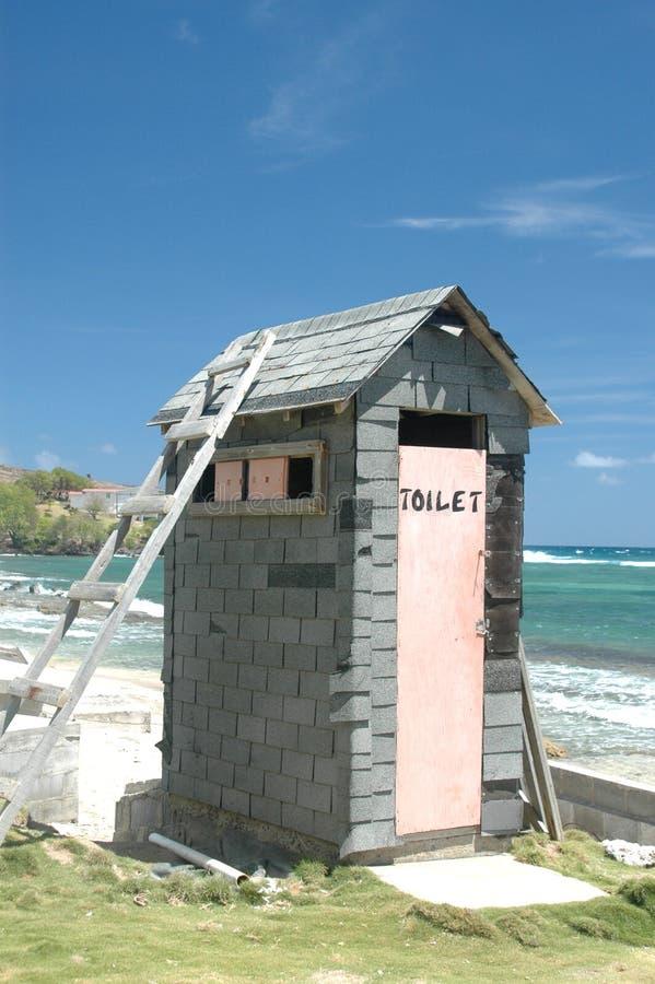 новый outhouse стоковые изображения