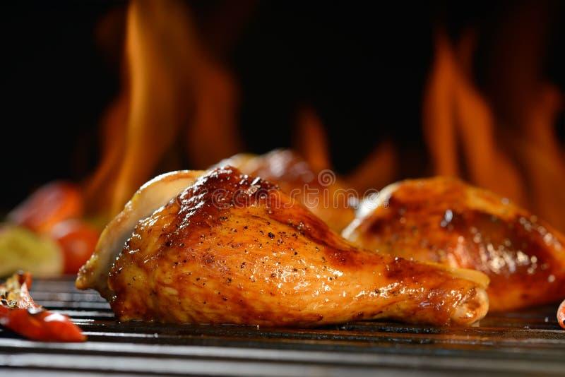 нога зажженная цыпленком стоковое изображение