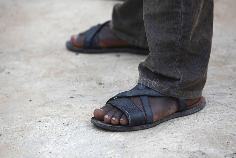 Ноги африканского человека стоковое изображение rf