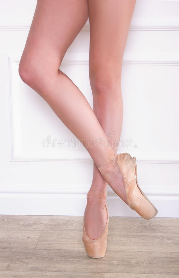 Ноги балерины стоковое изображение rf