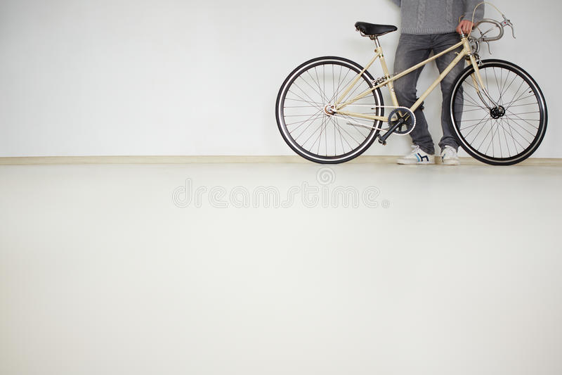 Ноги велосипедиста стоковое фото rf