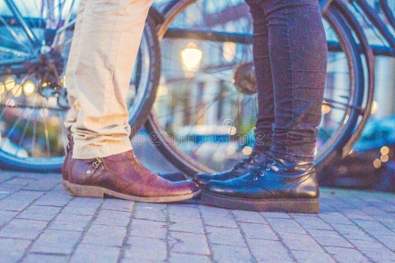Ноги влюбленности в Амстердаме стоковые фото