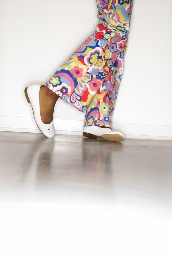 ноги кальсон девушок предназначенных для подростков стоковое изображение rf