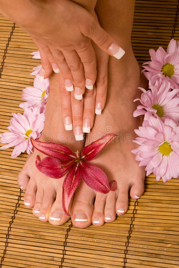 ноги рук manicure pedicure стоковая фотография rf