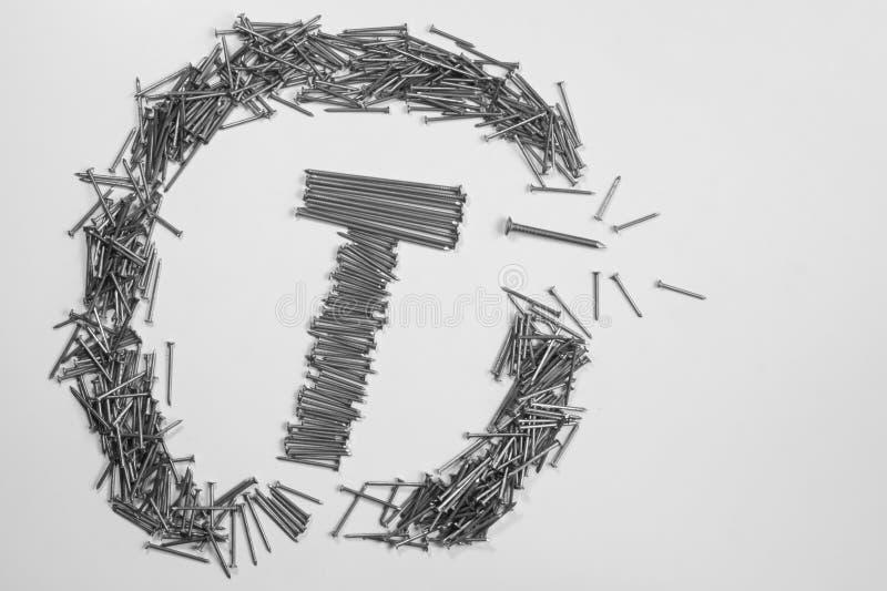 Ногти металла изолированные на белой предпосылке инструменты деятельности стоковые изображения rf
