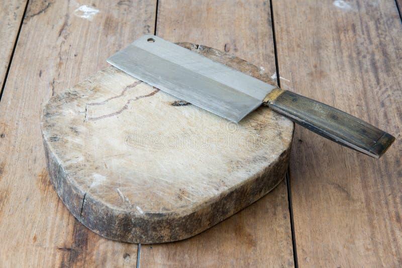 нож кухни вырезывания доски стоковое фото rf