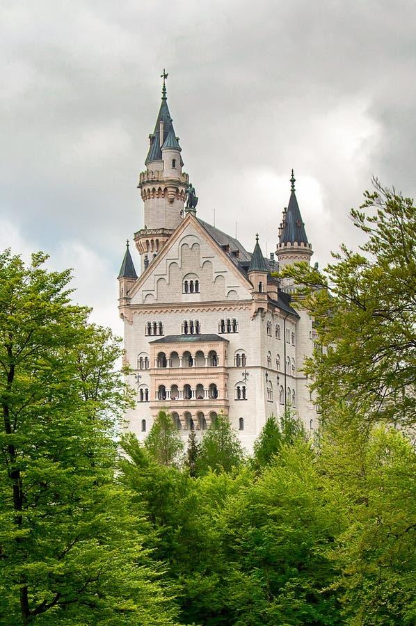 Нойшванштайн, красивый замок около Мюнхена в Баварии, Германии стоковое изображение