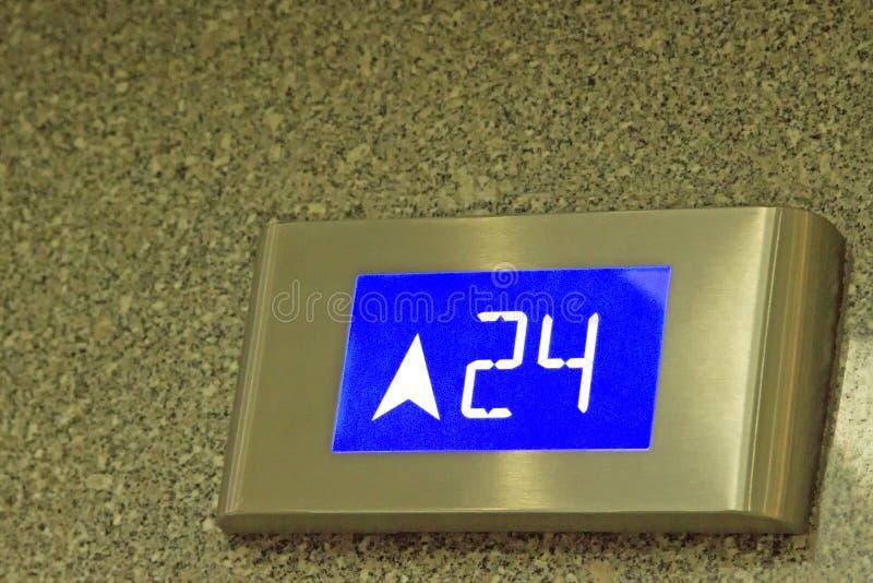 Номер говорит 24th пол лифта стоковое фото rf